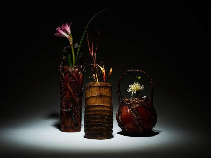 La fleur et le bambou, l'ikebana et l'art des paniers japonais