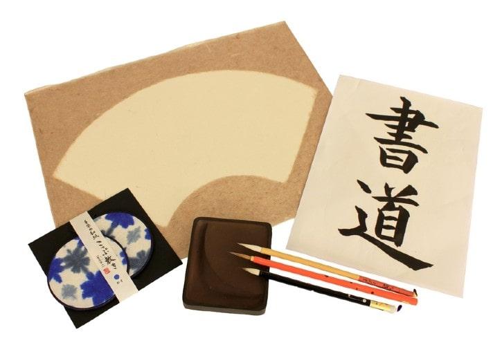 Les objets du shodo ou l'écriture en beauté