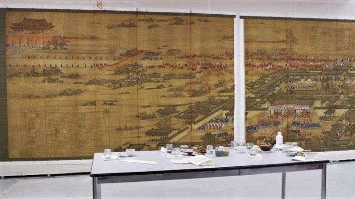 La restauration des œuvres graphiques et picturales d'Extrême-Orient dans un atelier français